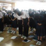 【宜野湾】真志喜中学校で職業人講話とマナー講座を実施